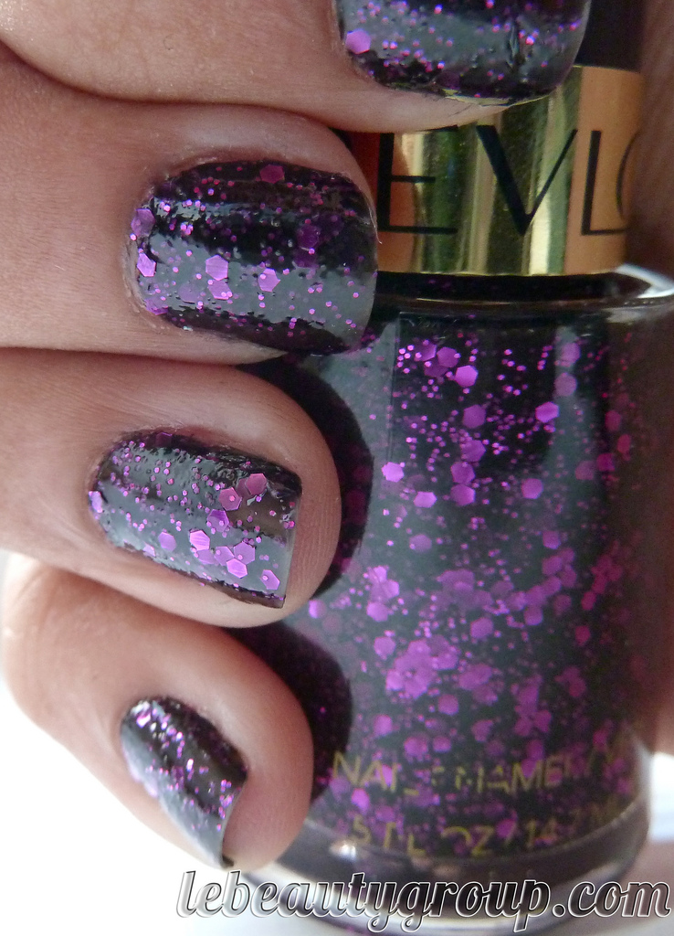 Nails Of The Day (NOTD): Revlon Facets of Fuchsia #95